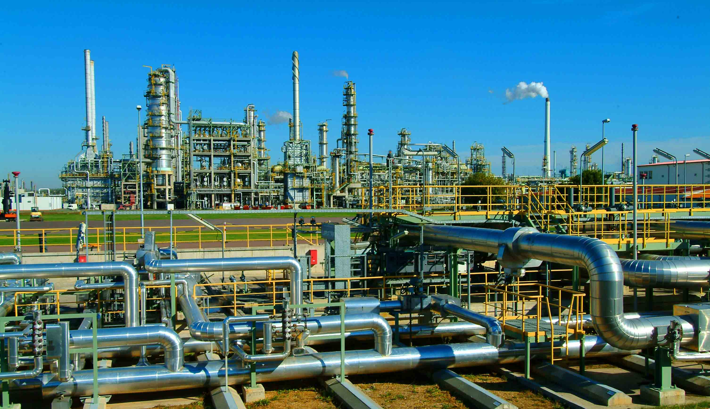 oil-refinery-day
