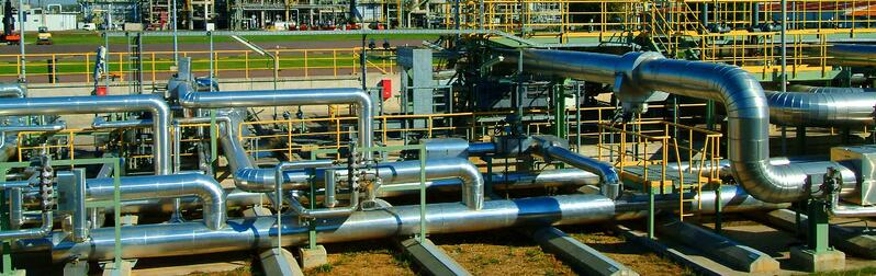 oil-refinery-piping-day.jpg