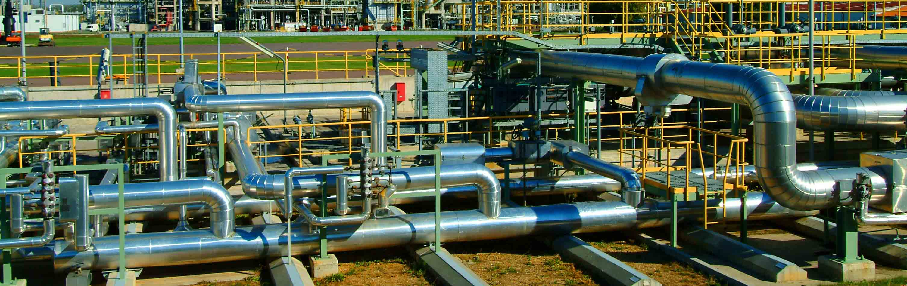 oil-refinery-piping-day